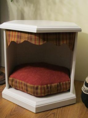 Repurpo sed table dog bed
