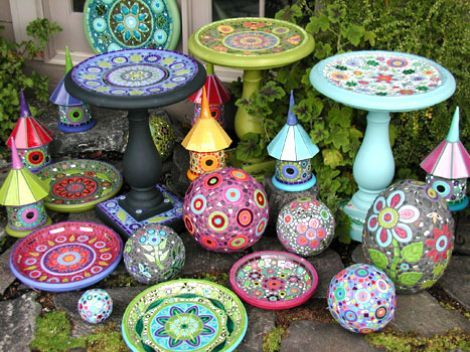 Awesome mosaic garden art....I need to get busy on making a bird bath: Gardens Ideas, Mosaics Art, Mosaics Gardens Art, Mosaics Birdbaths, Yard Art, Birds Bath, Mosaics Ideas, Mosaics Tile, Gardens Mosaics