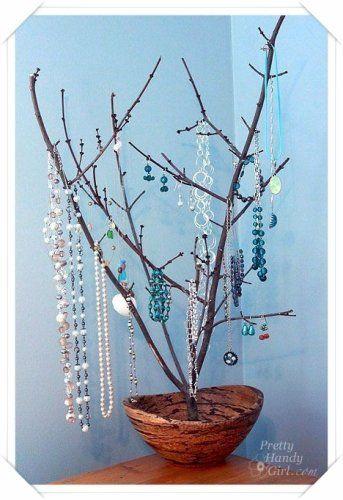 木の枝に引っかけるアイデア♪ 枝の多い木の方がいっぱい掛けれておススメです♪
