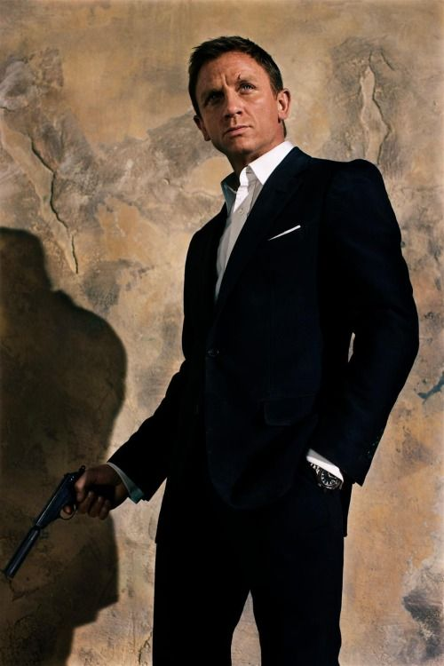 James Bond- Daniel Craig
