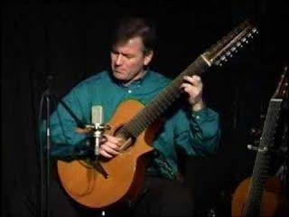 Guitarras custom construídas por Rodolfo Cucculelli, Luthier: Електро-акустични китари, 16-струнна китара.