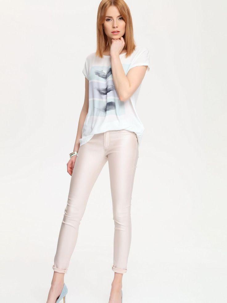 W2017 Spodnie damskie jasny róż  - spodnie długie - TOP SECRET. SSP2205 Świetna jakość, rewelacyjna cena, modny krój. Idealnie podkreśli atuty Twojej figury. Obejrzyj też inne spodnie tej marki.