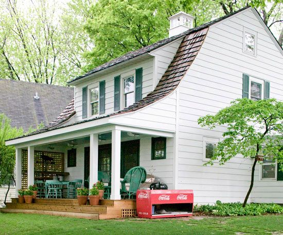 If you're looking for a good investment in your home, replacing the siding can really boost your home's curb appeal: http://www.bhg.com/home-improvement/exteriors/curb-appeal/boost-curb-appeal/?socsrc=bhgpin021114replaceuglyordamagedsiding&page=10Remodeling Ideas, Perfect Porches, Inspiration Ideas, Porches Decks Patios, Porches Ideas, Covers Porches, Front Porches, Covered Porches