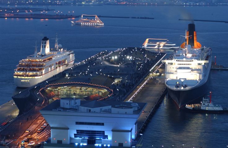 横浜港大さん橋国際船ターミナル 横浜 観光 みなとみらい 桟橋 船 海 観光