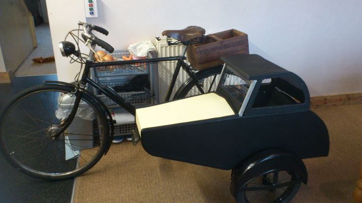 Watsonian style sidecar