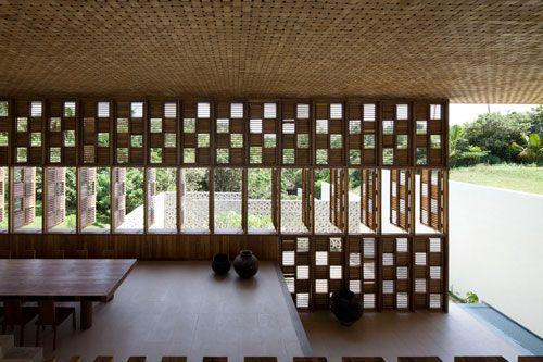 Beautiful villa by Shigeru Ban Architects