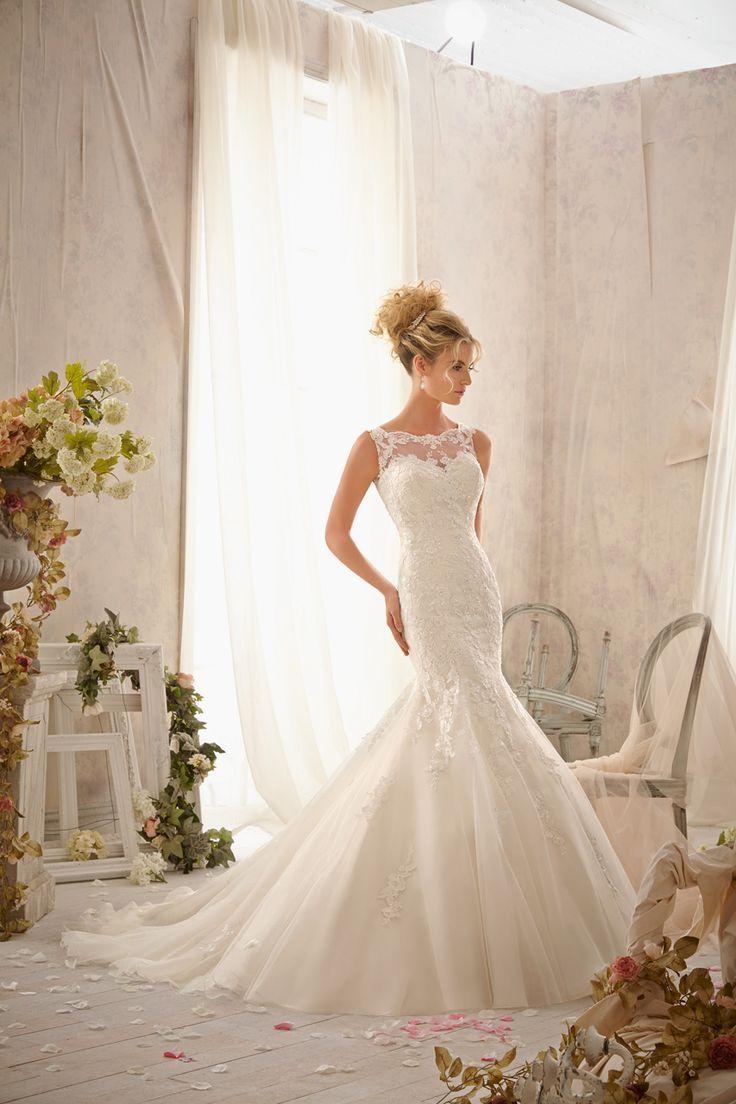 低身長のプレ花嫁さんに似合うウェディングドレス選び術