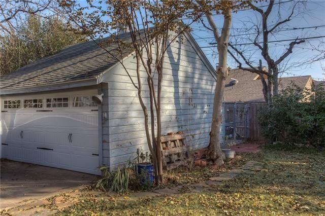 213 Williamsburg Ln, Fort Worth, TX 76107