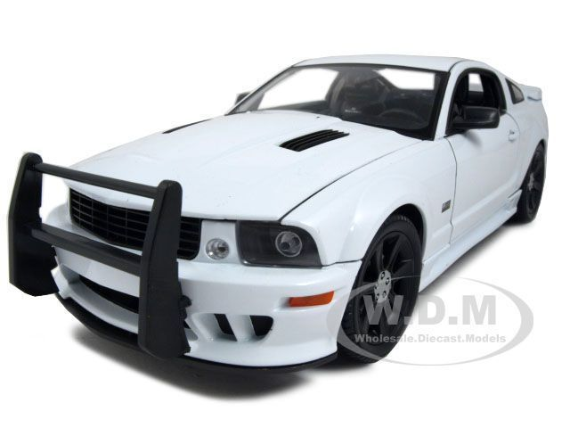 2007 SALEEN S281 E MUSTANG UNMARKED POLICE CAR WHT 1:18 MODEL CAR BY WELLY 12569 #Welly #Ford