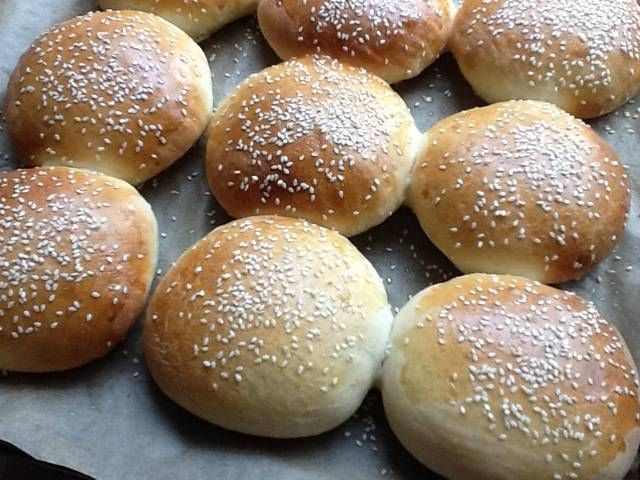 Forum Thermomix - The best Thermomix recipes and community - Hamburger buns, recipe based on all the help i got over here.. With pics