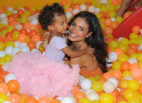 Jennifer Nicole Freeman (Clair Kyle) ;P & daughter ♥♥