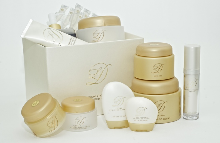 DL Gold Stem Line - Specific anti-age line with shocking effect to stimulate cell's DNA thanks to the new technology of peptides (nanotechnology) to stimulate the production of types of collagen.