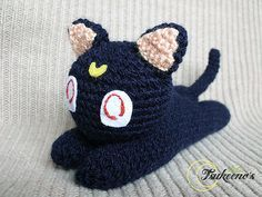 "Luna Sailor Moon Cat - Free Amigurumi Pattern - PDF click ""download"" or ""free Ravelry download"" here: http://www.ravelry.com/patterns/library/luna-sailor-moon-cat"