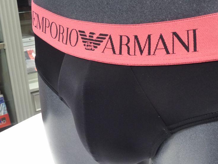 UNDERSWIN Empori Armani el nuevo modelo de slip para hombre pensado como ropa interior o prenda de baño. Microfibra aún más suave. + modelos varelaintimo.com