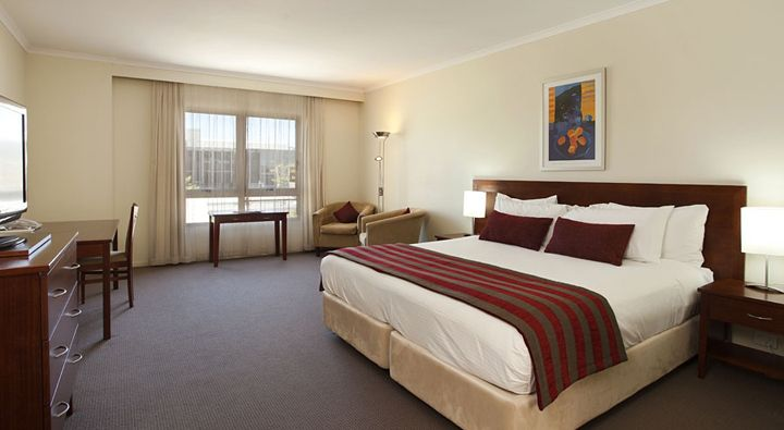 A Standard King Room at Rydges Port Macquarie.