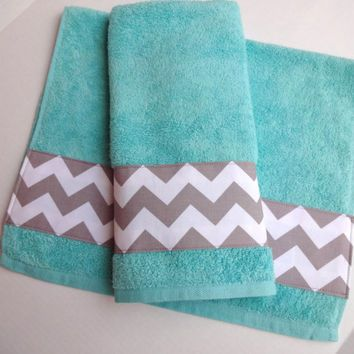 Grey Chevron and Aqua towel set, set of 2, hand towel, aqua bathroom, grey chevron, chevron towels, towel set. bathroom decor, aqua and grey