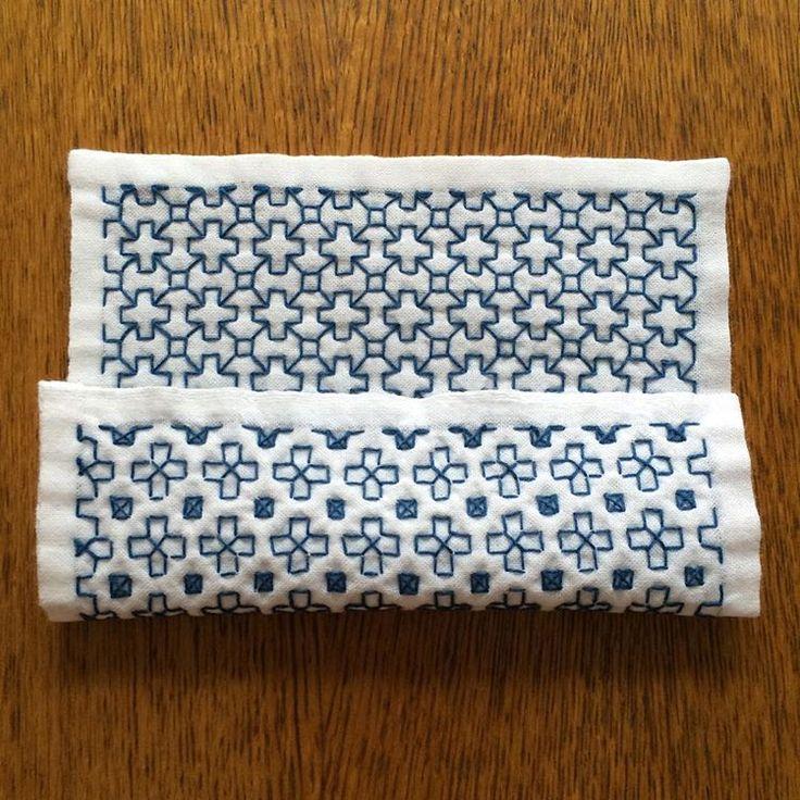十字つなぎ ・ 20センチサイズ 小鳥屋さんの刺し子糸で。 ・ 裏も可愛いとうわさのこちら。 刺し子糸だと、ふっくら優しい雰囲気 これはふきんサイズでも作りたい♪ ・ #刺し子#sashiko #一目刺し