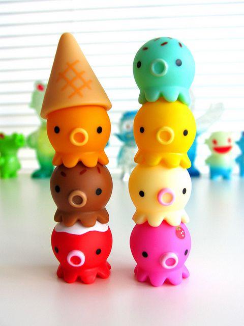 Takochu vinyl toys / by ©Pine Create.