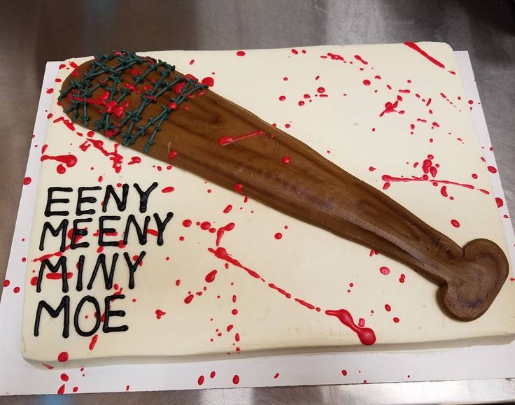 "8 Likes, 1 Comments - Laura Paffel (@prettykillercookies) on Instagram: ""Walking Dead Cake!!!! I had so much fun with this one!!! #thewalkingdead #thewalkingdeadcake…"""