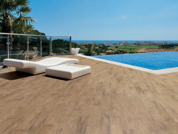 Pavimenti da esterni per completare con stile anche l'esterno della tua casa! http://www.magazzinodellapiastrella.it/ambientazioni-pavimenti-firenze.php #pavimenti #pavimentiesterni #pavimentipiscine #piscina #ristrutturapavimenti