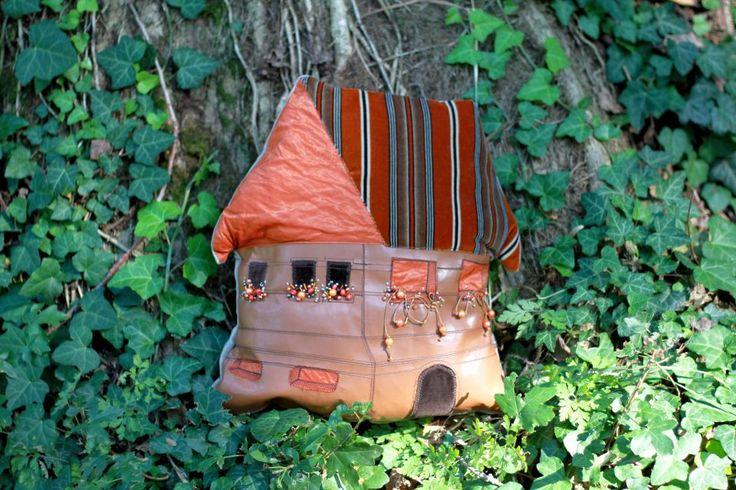 200 LEI | Perne handmade | Cumpara online cu livrare nationala, din Timisoara…