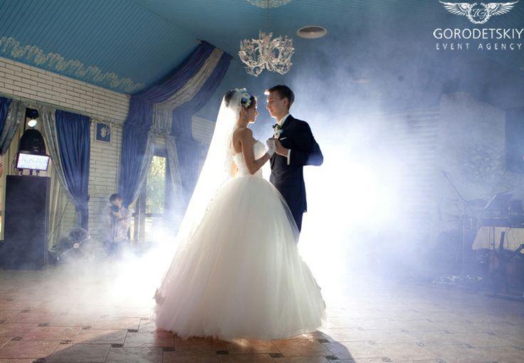 Свадьба Игоря и Юлии . Первый танец молодых