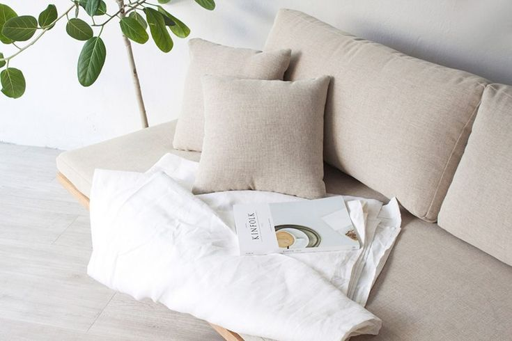 blank-daybed-sofa-cho-hyung-suk-design-studio-munito-design-furniture-_dezeen_2364_col_4