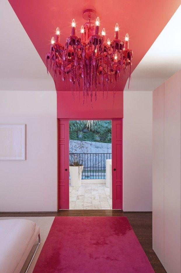 Le studio de design d'intérieur Ghislaine Viñas Interior Design, basé à New York, est intervenu dans la décoration et l'aménagement intérieur de cette magnifique maison de style colonial située à Los Angeles.