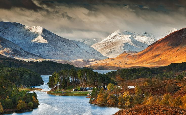 View of Glen Affric - Scotland (Glen Affric in Scottish Gaelic: Gleann Afraig, is a glen south-west of the village of Cannich in the Highlands. It's 24 kilometers to the west of Loch Ness). The River Affric runs along its length, passing through Loch Affric and Loch Beinn a' Mheadhoin or Loch Benevean. The Battle of Glen Affric took place in 1721.