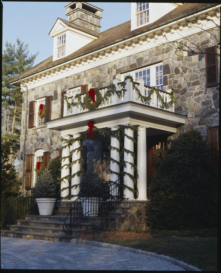 Old House Christmas Decorations: Beautiful Home During The Holidays