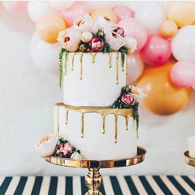 Hochzeitstorte Mit Echten Torten Dripped Cake Gold Und Rosa