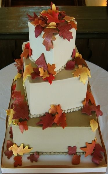 The leaves are turning and the outdoors are a beautiful place. Why? Because it's fall! If you're planning your wedding for October or November, you're likely to be surrounded by these falling leaves. Why not tie the outdoors into your wedding cake design by requesting an autumn leaves theme? Use these great autumn wedding cake …