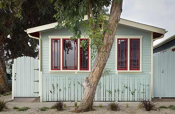 Venice beach eco cottage hotel dream houses pinterest - Exterior paint colors for cottages concept ...