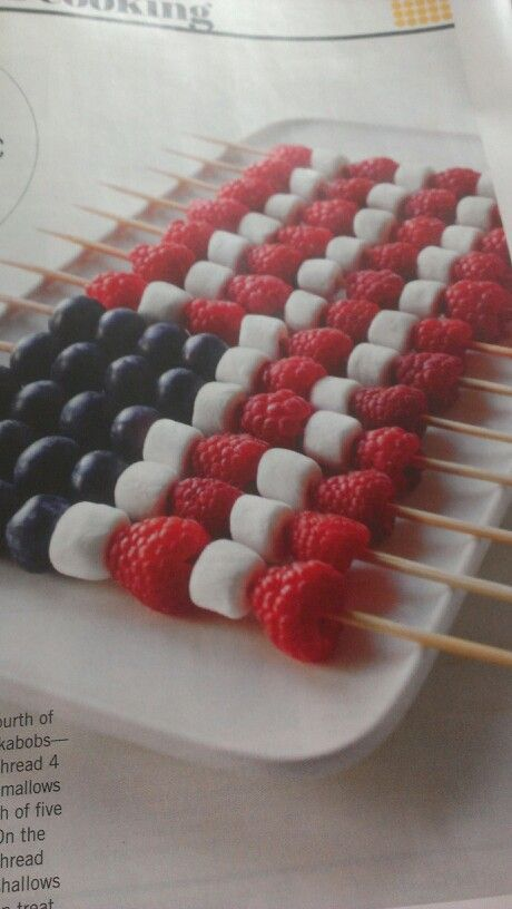 These fruit kabobs are a good and healthy alternative for July 4th lunches...www.guardianangelsconciergeservices.com