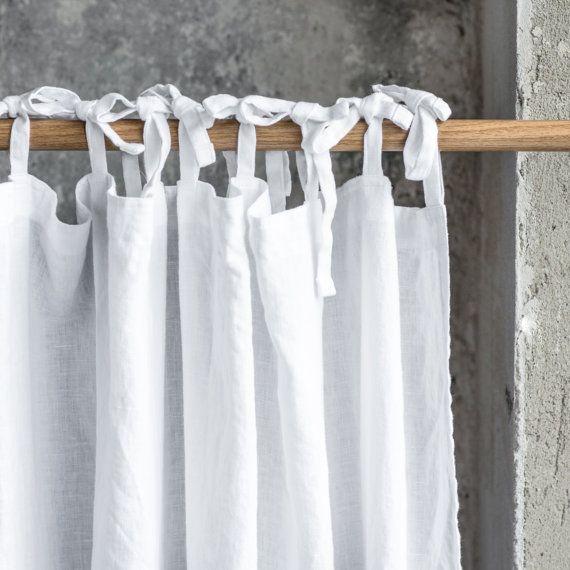 Lavado y hecho a mano blanco cortinas de lino de aspecto relajado.  ++++++++++++++++++++++++++++++++++++++++++++++++++++++++++++++++++  VER  Lavado, suave y tiene arrugas naturalmente nacidas después del proceso de lavado. La ropa es de peso mediano por lo que no es pura aunque no es blackout y permite la iluminación interior.  ++++++++++++++++++++++++++++++++++++++++++++++++++++++++++++++++  ACABADO  El panel viene con lazos, varilla bolsillo o un dobladillo para el recorte. Por favor haga…
