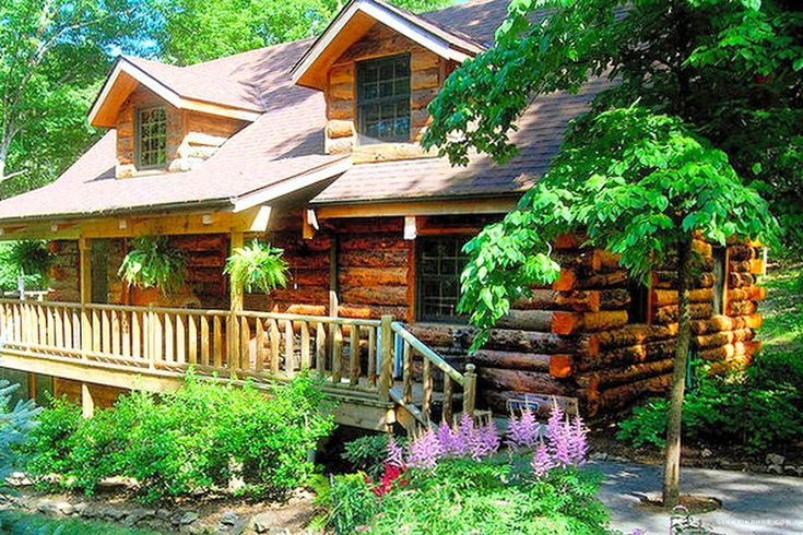 Log Cabin with a Hot Tub in the Ozarks near