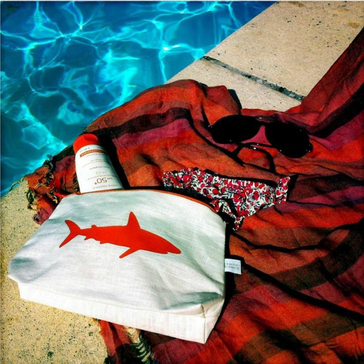 Pochette à maillot de bain requin orange / Wet swimsuit purse