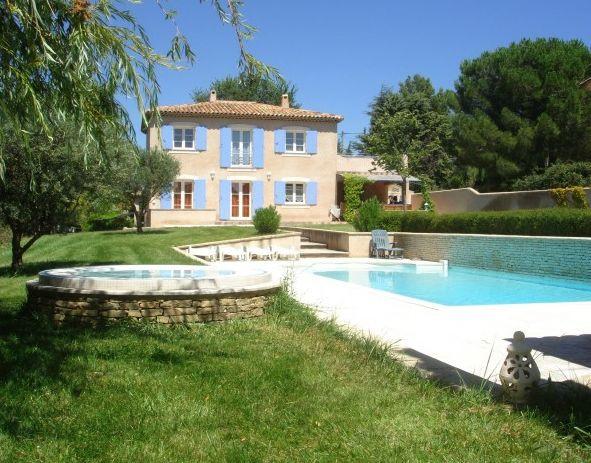 15 best maisons marseille images on pinterest for Location maison avec piscine marseille
