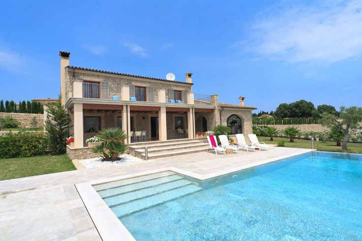 Last minute Family Easter break from just £1,332 for a family of 11 ... We have one remaining week left at our stunning 5 bedroom villa in Pollensa, Mallorca 🌴☀️️✈️️
