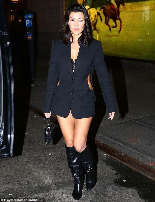 f98aeea25d1f Kourtney Kardashian shows off incredible figure in skimpy blazer dress   k  o u r t n e y k a r d a s h i a n   Kourtney kardashian, Kourtney kardashian  2018 ...