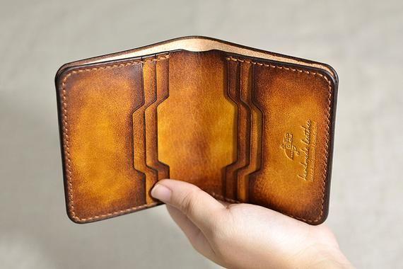 Cousu Main Vertic Portefeuille En Cuir Portefeuille Homme Etsy Leather Wallet Mens Handmade Leather Wallet Leather Wallet Pattern