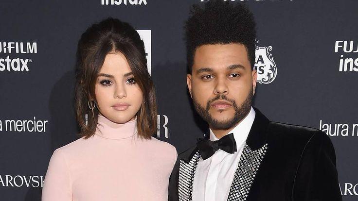 """Selena Gomez y The Weeknd se separan después de 10 meses de romance vía ET Online  Selena Gomez y The Weeknd se están separando una fuente cercana a Gomez le dijo a ET.  La pareja se estaba acercando a un año de noviazgo después de comenzar a salir en enero después de la separación de The Weeknd con Bella Hadid. """"Han terminado. No iba a durar durante el transplante de riñon Selena realmente confió en sus amigas en lugar de The Weeknd. Él simplemente no estaba realmente disponible para dejar…"""