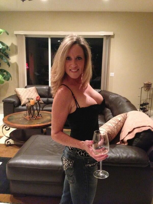 366 best Milf 18+ images on Pinterest | Beautiful women, Dress ...