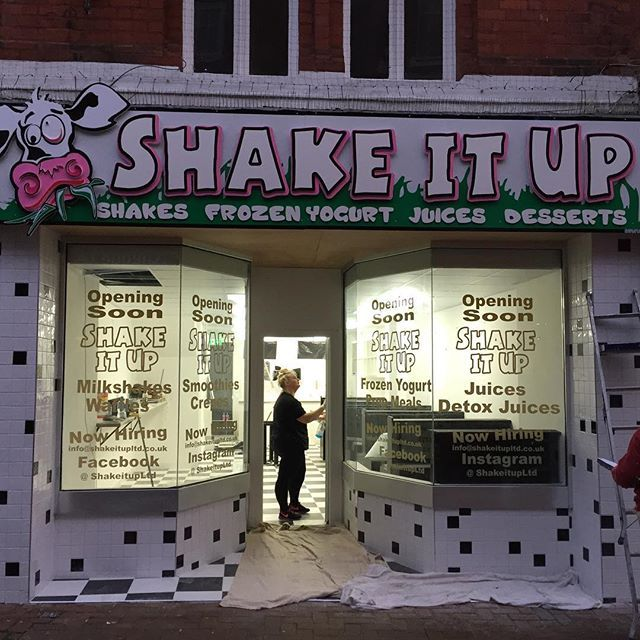 Sign has gone up today, getting there ..... looks great pop down & take a look for yourself 😊#shakeitup #Ormskirk #Magull #Aintree #Formby #Southport #Burscough #edgehilluni #edgehilluniversity #shakes #milkshakes #juicebar #detox #detoxjuices #proteinprepmeals #waffles #crepes #nutella #liverpool #burscough #southport #tangoiceblast #froyo #frozenyogurt #lotus #biscoff