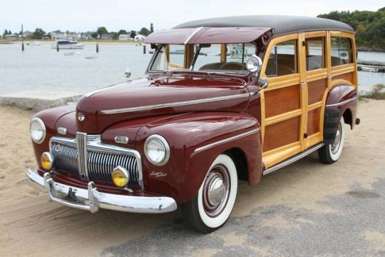 1942 Ford Super De Luxe, Woody Wagon