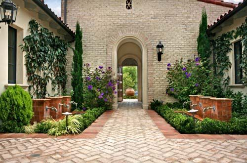 Mediterranean courtyard garden: Courtyards Gardens, Mediterranean Gardens, Courtyards Design, Water Features, Gardens Design Ideas, Landscape Design, Brick, Design Studios, Patio Ideas