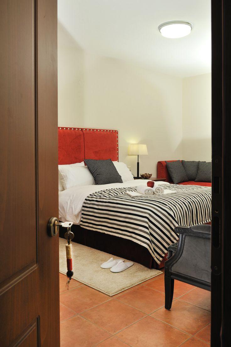 Triple red room