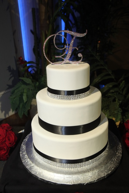 Very similar to the cake I told my mom she has to make me one day :)