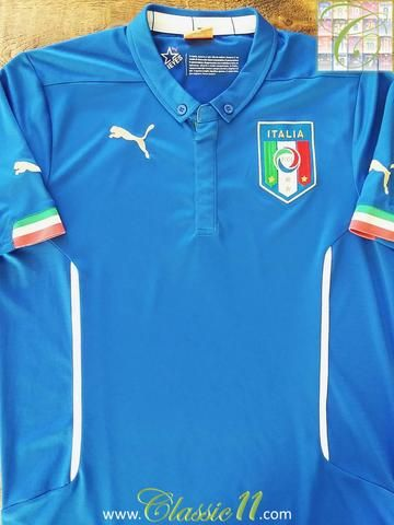 Relive Italy's 2014/2015 international season with this original Puma home football shirt.