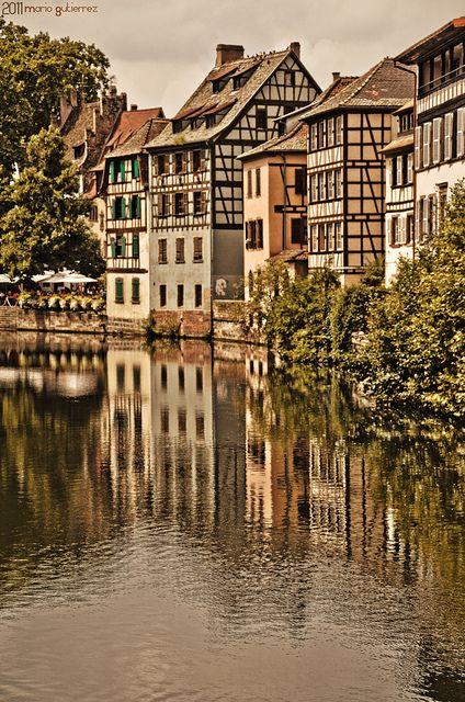 Estrasburgo, capital y principal ciudad de la región de Alsacia, al este de Francia.
